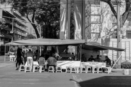 03 mexico city corner food stand b&w