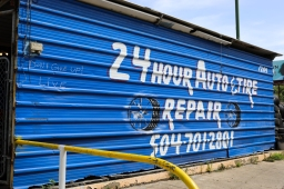 04 dont give up live sign on 24 hr auto repair