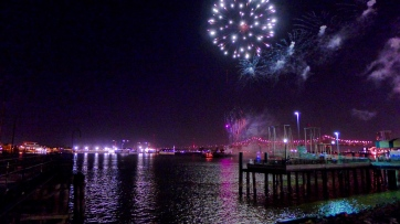 21 twelfth night fireworks mississippi river new orleans