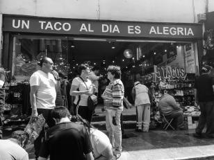 24 mexico city amor y tacos un taco al dia es alegria b&w