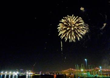 24 twelfth night fireworks mississippi river new orleans