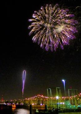 25 twelfth night fireworks mississippi river new orleans