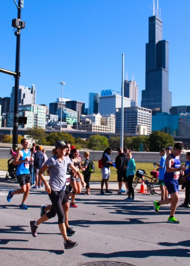 27 floating mom willis tower chicago marathon