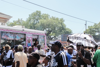 10 second line & food truck