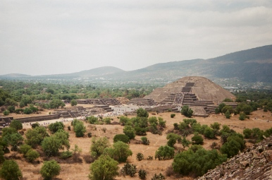 teotihuacan pyramid of the moon 35mm