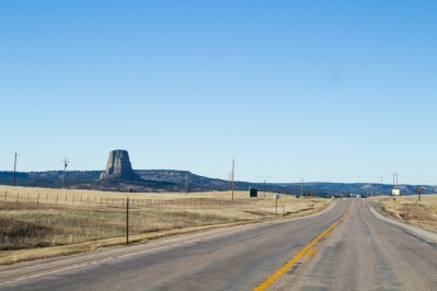 09 approaching devil's tower wyoming