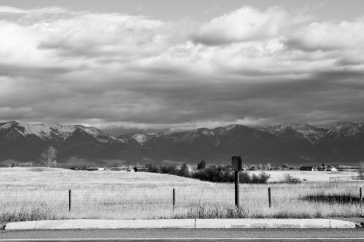 21 montana view black & white