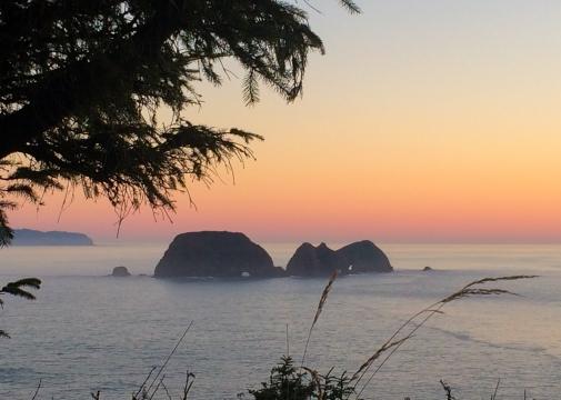 39 tillamook oregon pacific ocean sunset