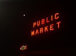 01 pike place public market by night seattle