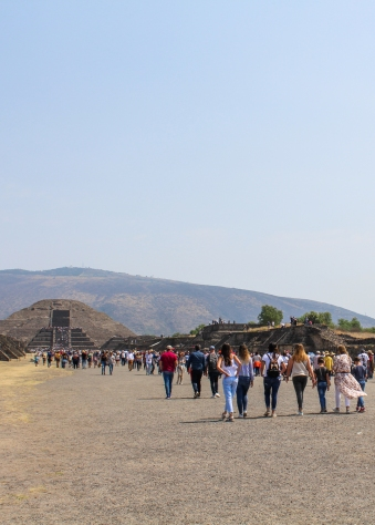 06 teotihuacan pyramid of the moon