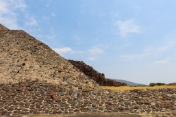 16 teotihuacan pyramid of the sun