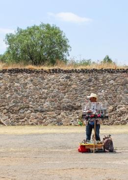17 teotihuacan vendor