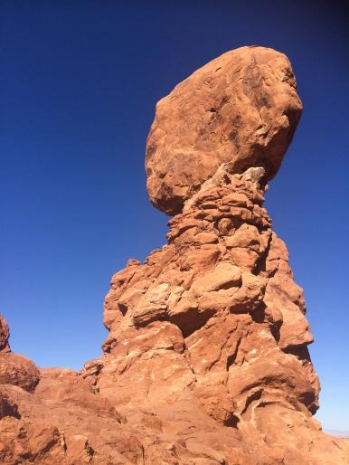 14 balancing rock arches national park