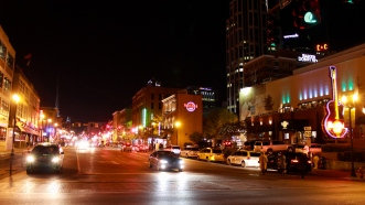 07 broadway at night nashville