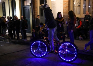 01 joan of arc parade glow bike twelfth night new orleans