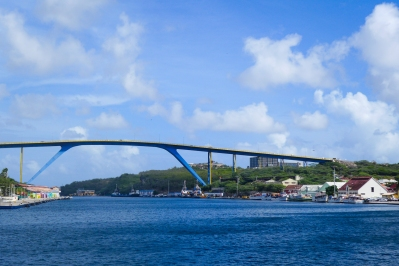 11 curaçao willemstad bridge