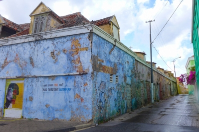 19 what makes you you mural in punda curaçao