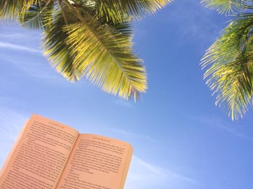 28 reading on mambo beach curaçao