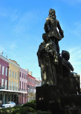 quarantine week 3 - 94 bienville statue