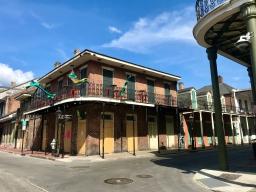 quarantine week 4 - 32 oz closed bourbon street