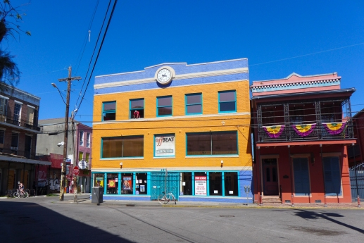 01 offbeat building frenchmen street empty city